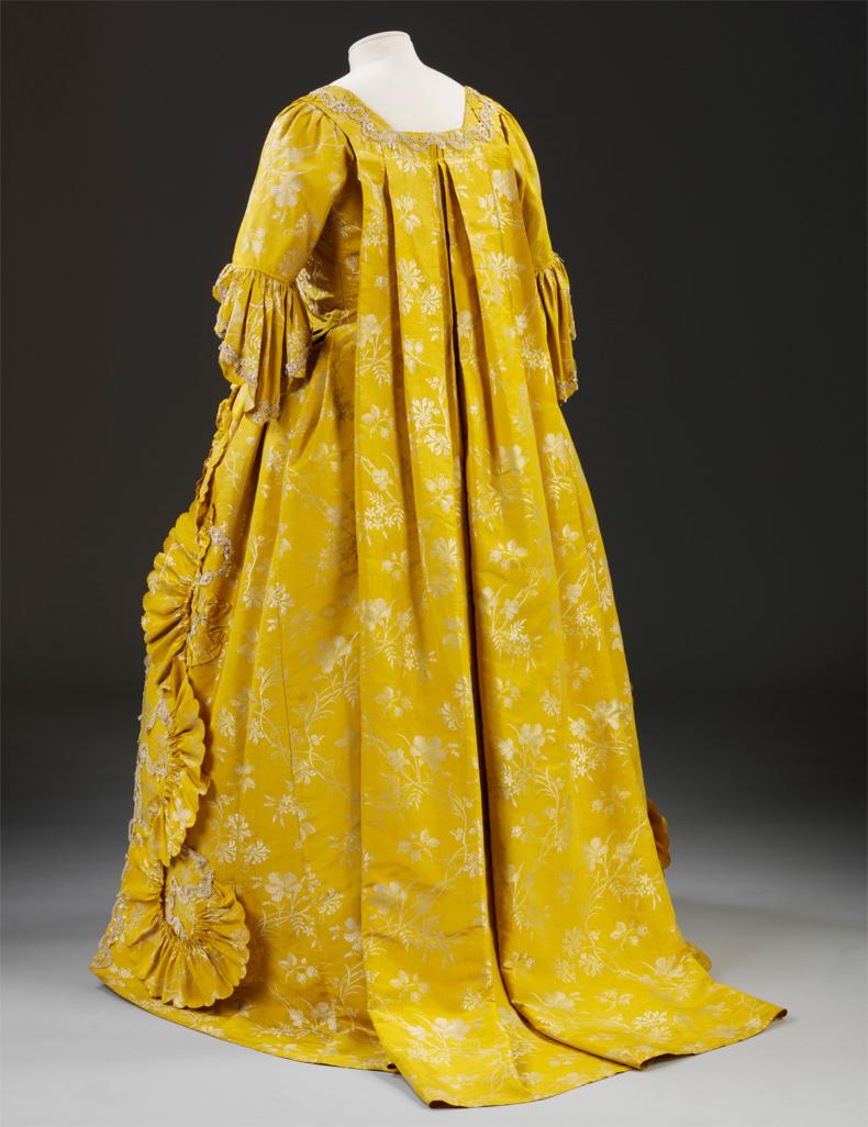 1760, Robe à la francaise, Victoria & Albert Museum London