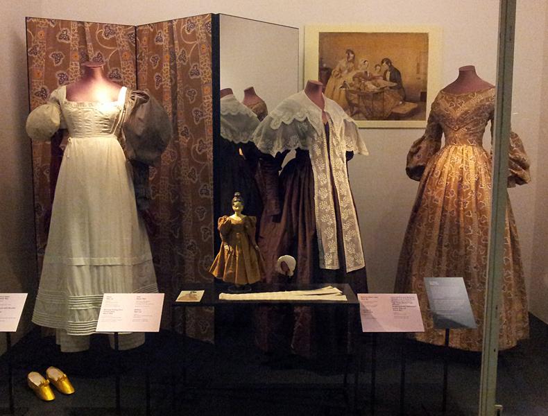 Kleidung des Biedermeier, Victoria & Albert Museum, London