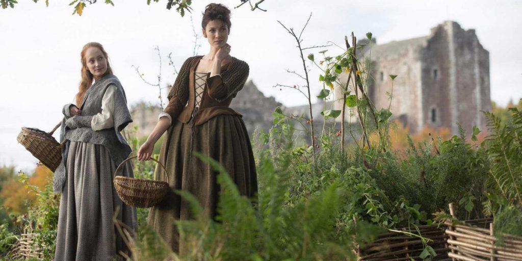 Outlander . Season 1 . Claires brown caraco
