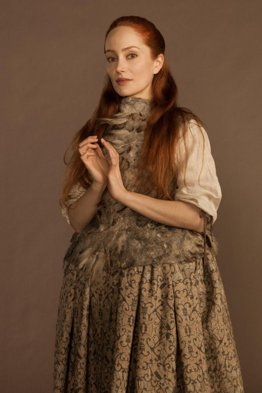 Outlander . Season 1 . Geillis felted waistcoat