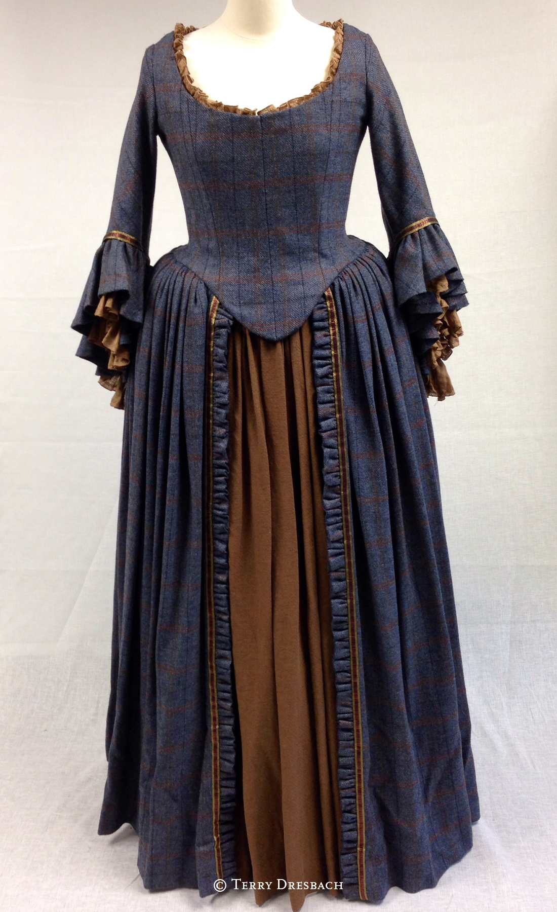 Outlander . Season 1 . Letitias blue dinner dress