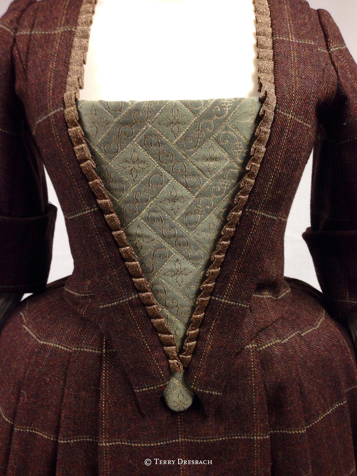 Outlander . Season 1 . Letitias fox dress